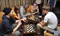 Her knuses Red Hot Chili Peppers av Sjakk-Carlsen
