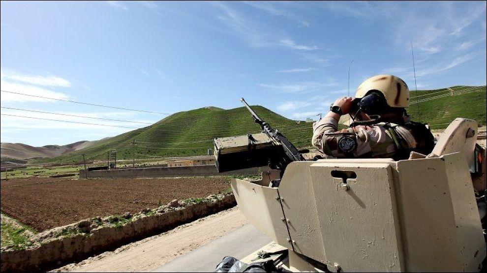 NEKTER OVERLEVERING: Dersom norske soldater i Afghanistan tar fanger, får de ikke lenger overlevere dem til afghanske myndigheter. Årsaken er rapporter om systematisk tortur, og den hemmelige flyttingen av to norske fanger. Foto: LARS MAGNE HOVTUN, Forsvaret
