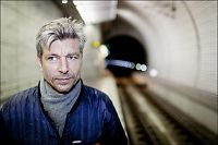 Forfatterstjerner raser mot Knausgård