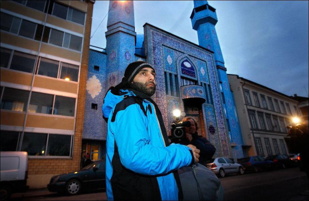 BORTVIST: Arfan Bhatti ble fredag kastet ut av Oslo tingrett da han ville følge terrorsaken som nå pågår. Foto: Jan Petter Lynau
