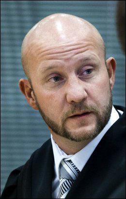 SA NEI: Statsadvokat Geir Evanger bekrefter at han ikke ønsket at Bhatti skulle være til stede i retten under terrorsaken. Foto: Scanpix