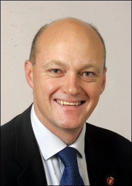 POSITIV: Stortingsrepresentant for Frp, Hans Frode Asmyhr. Foto: SCANPIX