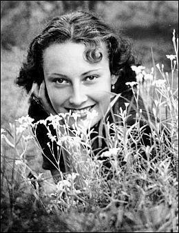 ELSKERINNE: Forholdet til skuespillerinnen Lida Baarova gikk så langt at Hitler måtte gripe inn. Foto: SPARTACUS FORLAG