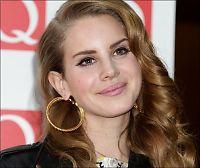 Popkometen Lana Del Rey redd for å synge på TV