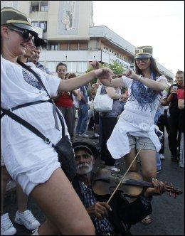 Kvinner danser skolen vet