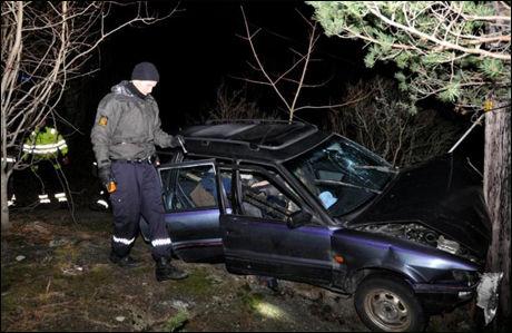 KJØRTE I TRE: Kvinnen ble funnet i denne bilen, etter at familien hadde meldt henne savnet. Foto: EDGAR DEHLI / RØYKEN OG HURUMS AVIS