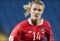 Fotballdamene til kort mot Sverige