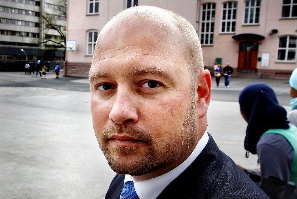 STILLER LYSBAKKEN-SPØRSMÅL: Anders Anundsen (Frp) mener Audun Lysbakken må bevise at normal prosedyre er fulgt i fordelingen av selvforsvar-penger fra departementet. Foto: Jan Petter Lynau, VG