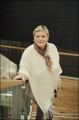 ADVARER: Kommunikasjonsdirektør i Lotteritilsynet, Anne-Mette Hjelle, advarer mot utenlandske nettkasinoer. Foto: Lotteritilsynet