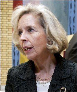 IKKE OVERRASKET: Helseminister Anne Grethe Strøm-Erichsen er ikke overrasket over de nye tallene. Hun gleder seg over utviklingen i røykevaner, men er bekymret for snusvanene til nordmenn. Foto: Arkivfoto: ESPEN BRAATA/VG
