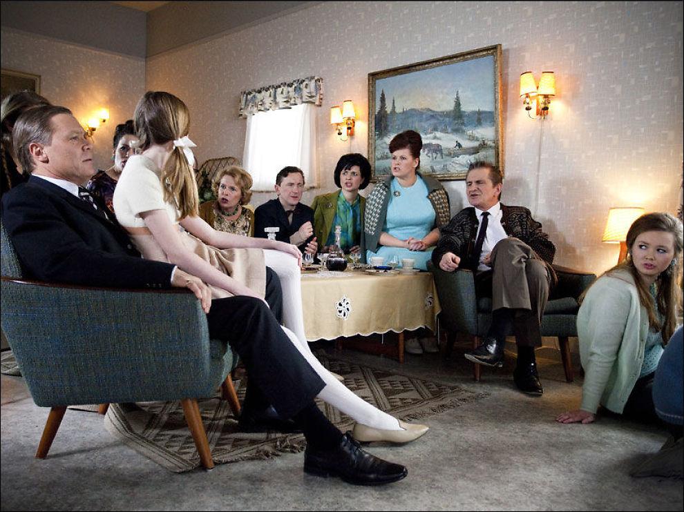 60-TALLS-NOSTALGI: Bilde fra første episode av Erobreren. Foto: NRK