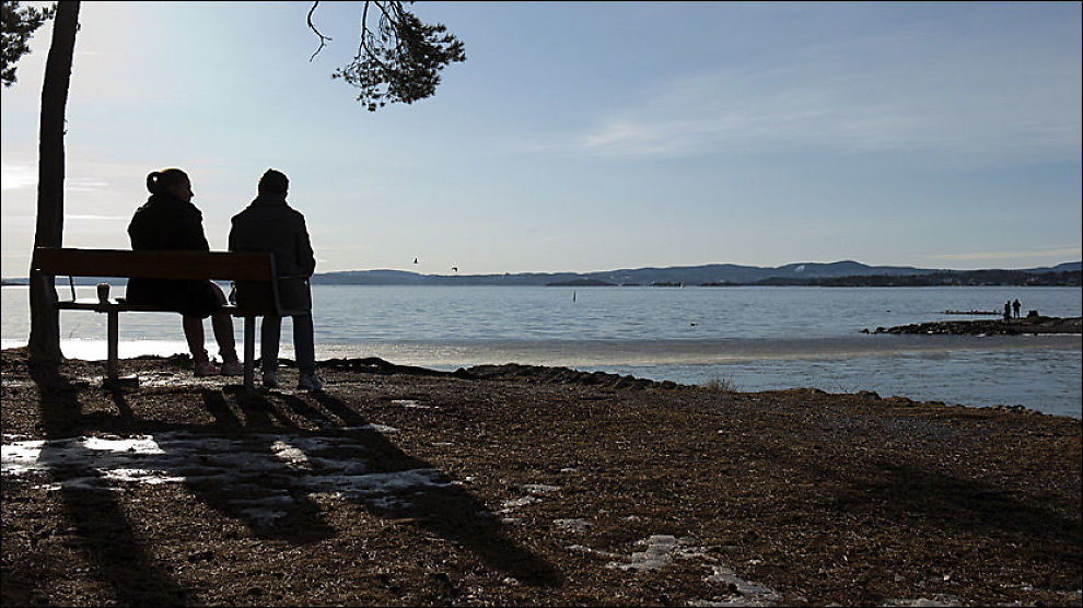 VINTERVARME: På Huk i Oslo har solen varmet og snøen smeltet de siste dagene. Og det kan bli like bra vær i dagene som kommer. Foto: Scanpix