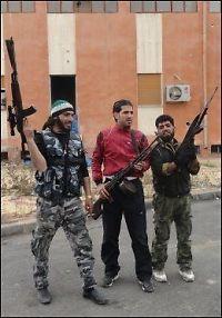 Her skytes granat rett inn i folkemengden i Syria