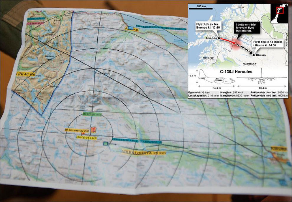 REDNINGSMANNSKAPER PÅ VEI: Dette kartet viser hvor letemannskapene tror flyet befinner seg. Det røde flagget til venstre viser hvor flykontrollen mistet kontakt med flyet. Det røde flagget til venstre viser hvor et redningshelikopter fanget opp temperaturforandring som kan stamme fra flyet. Den blå pilen til høyre for Kebnekaise viser hvor redningsmannskapene befant seg ved 21-tiden. Helt til høyre i kartet ligger Kiruna. Foto: Espen Braata, Tom Byermoen.