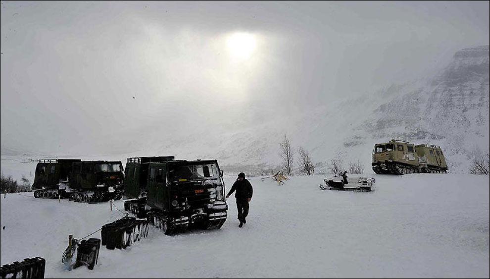 DÅRLIG SIKT: Været skaper store problemer for letemannskapene i Kebnekaise-fjellene, og sikten i området er svært dårlig. Foto: LASSE ALLARD