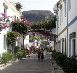GRAN CANARA: Kanariøyene er og blir nordmenns feriefavoritt om vinteren. Her fra Puerto Mogan på Gran Canaria. Foto: ESPEN BRAATA