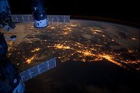 Astronauter satt i fare av romskrot