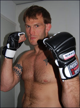 STARTET I 1998: John Olav Einemo har drevet med MMA i mange år. Nå blir han først og fremst trener. Foto: Scanpix Foto:
