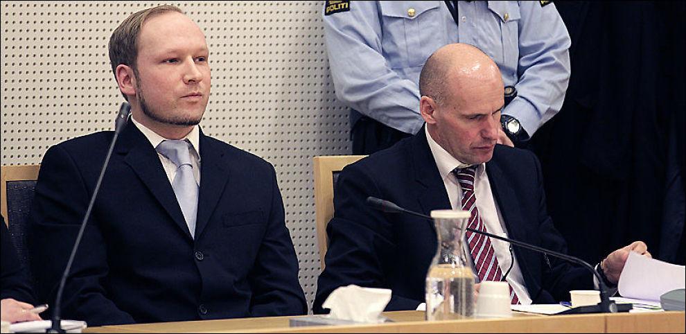- JEG ER IKKE PSYKOTISK: Terrortiltalte Anders Behring Breivik (33) kjemper for at dommerne skal vurdere ham som tilregnelig under rettssaken, som starter 16. april. Her sammen med forsvarer Geir Lippestad (t.h.) Foto: TROND SOLBERG / VG