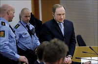 Spesialist tilbyr Breivik medisin mot psykoser