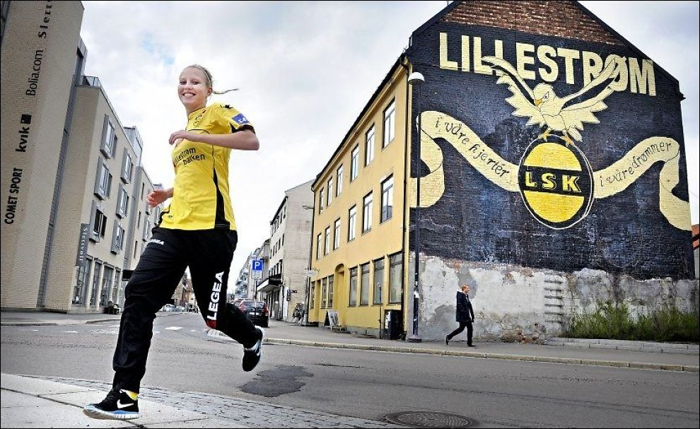 TOPPSCORER: Cecilie Pedersen trives allerede godt i LSK-trøya. Foto: Bjørn S. Delebekk, VG