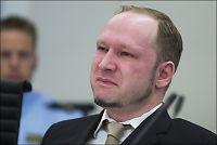 Breivik gråt under visning av egen film