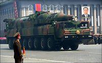 Nord-Korea viste frem ny rakett i storslått parade