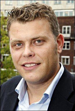 RØYKFRI: FRP-politiker Jøran Kallmyr har sluttet å røyke, men sverger til snus. Foto: Knut Erik Knudsen/VG