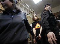 Russere ber Gud «korrigere» pønkere