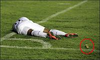 Gjenstand fra tribunen sendte Neymar i bakken