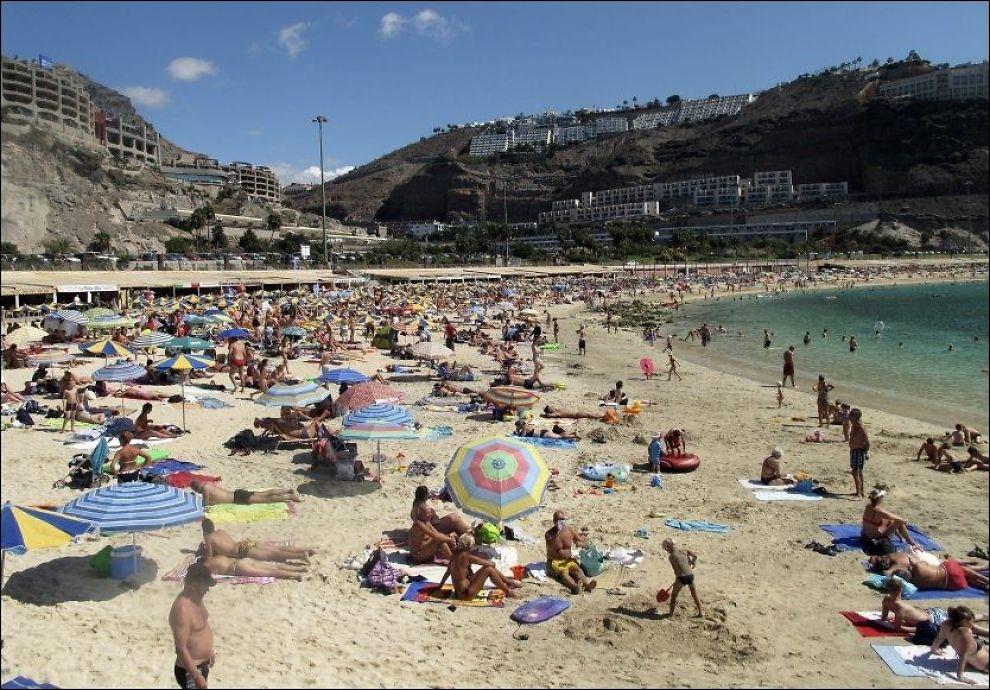 IKKE MERE RØYK OG REIS: Nå blir det forbud mot røyking på 75 prosent av Amadores-stranden på Gran Canaria. Foto: ESPEN BRAATA