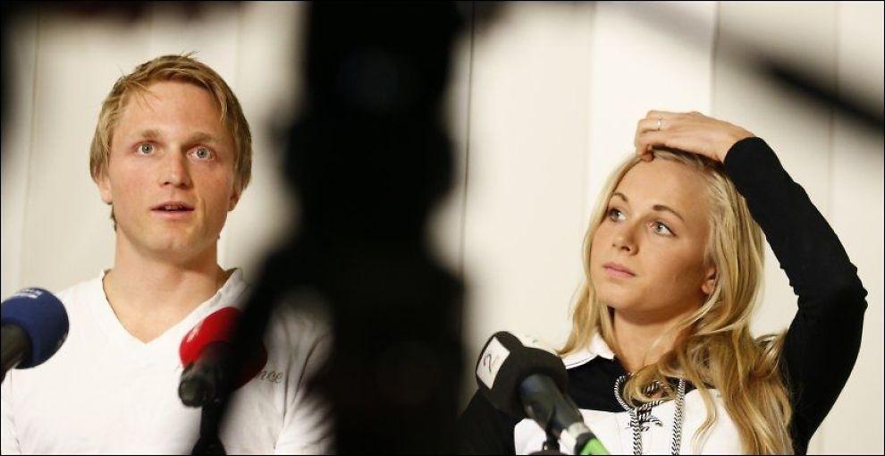 SANNHETENS TIME: Håvard Bøkko (til v.) og Hege Bøkko fortalte presse-Norge om sine valg på en pressekoferanse på Olympiatoppen i dag. Foto: Scanpix