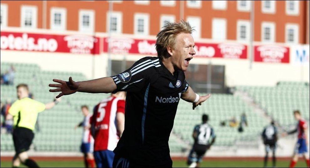INVOLVERT: Håvard Nielsen scoret selv og var svært delaktig i Vålerengas 2-1-seier over byrival Lyn. Foto: NTB SCANPIX
