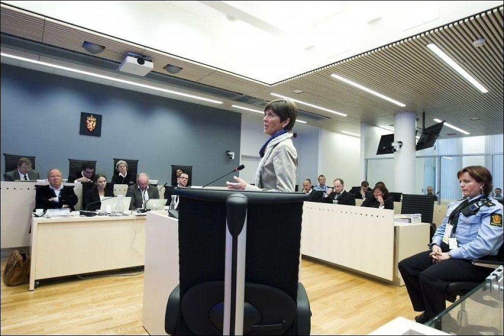 FORKLARTE SEG: Departementsråd i Fornyings - og administrasjonsdepartementet Ingelin Killengreen forklarte seg om konsekvensene for de berørte departementene. Foto: Heiko Junge, NTB SCANPIX