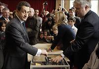 Valdagsmåling: Hollande tar seieren i Frankrike