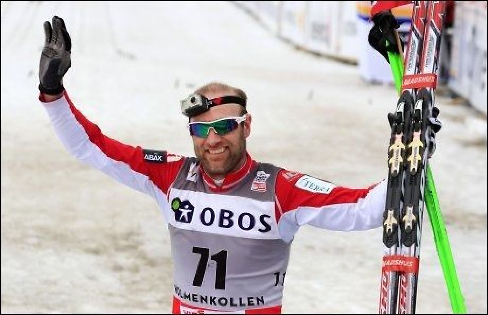 HEDRES: Odd-Bjørn Hjelmeset etter femmila i Kollen i mars. Foto: Scanpix