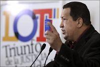 Venezuelas president styrer fra sykeseng på Cuba
