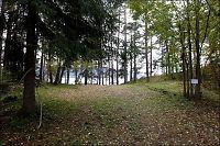 Smurte seg inn med jord for å skjule seg for Breivik