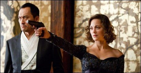 INCEPTION: Cotillard spilte mot Leonardi DiCaprio og Ken Watanabe (t.v.) i «Inception» i 2010. Foto: WARNER BROS PICTURES