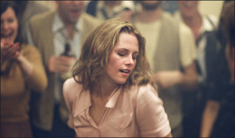 MARYLOU: I filmen er det full åpnehet rundt seksuell eksperimentering og dopbruk. Rollefigurene tar mye Benzedrine - amfetamin i medisinform en fikk kjøpt i inhalatorer. Foto: NORSK FILMDISTRIBUSJON