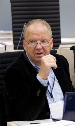 MÅPTE: Rettspsykiateren Torgeir Husby måpte da Breivik sa at ankespørsmålet var opp til dommerne. Foto: Gisle Oddstad