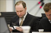 Ingen av vennene hans vil være i samme rom som Breivik