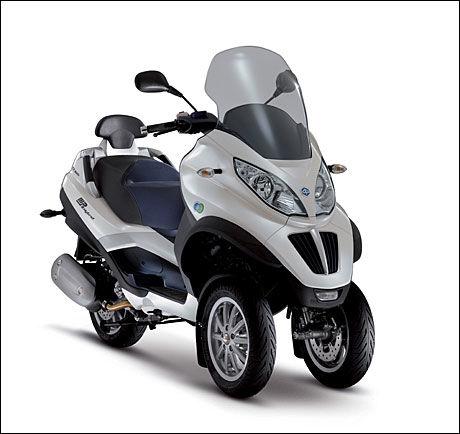 LADBAR: Piaggio MP3 Hybrid LT 300 har hybrid-teknologi, litium ion ...