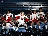 Madonna ber om fred under turnéstart i Israel