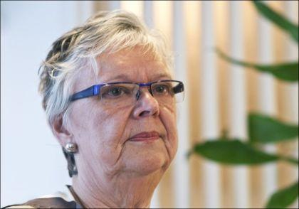 MEKLET: Riksmekler Kari Gjesteby jobbet sammen med og mekler Nils Dalseide under meklingen natt til lørdag. Foto: Per Løchen / NTB Scanpix