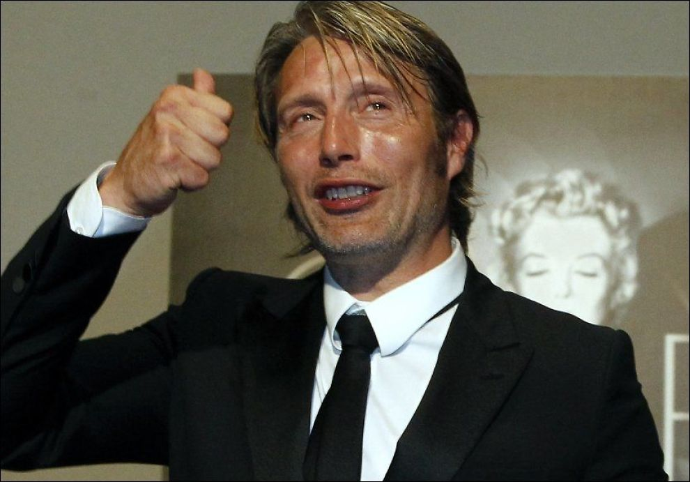 DANSK FILMHELT: Mads Mikkelsen - her i Cannes i slutten av mai, hvor han fikk prisen for beste mannlige skuespiller. Foto: Reuters
