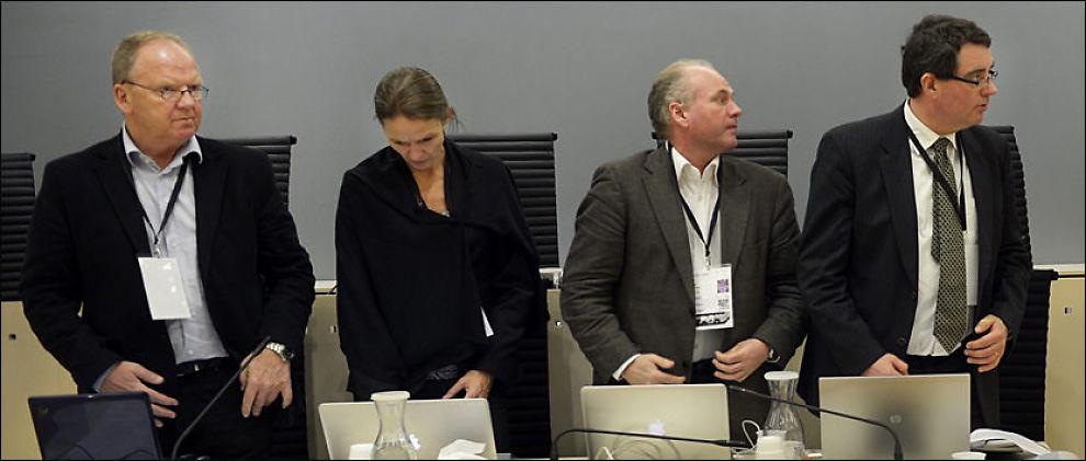 HELT UENIGE: Torgeir Husby (f.v.), Synne Sørheim, Terje Tørrissen og Agnar Aspaas er vurderer Anders Behring Breivik helt forskjellig. I retten sitter de tett. Foto: HELGE MIKALSEN