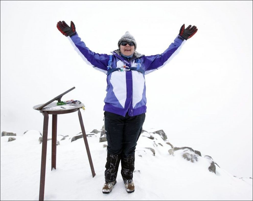 KLATRER: Tidligere i juni klatret Erna Solberg til toppen av Galdhøpiggen. Nå klatrer partiet hennes på meningsmålingene. Foto: Geir Olsen, VG