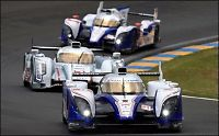 Davidson i spektakulært Le Mans-krasj