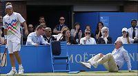 Tennisspiller disket for å ha skadet dommer